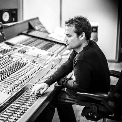 Paul Leonard-Morgan (composer) [photo]